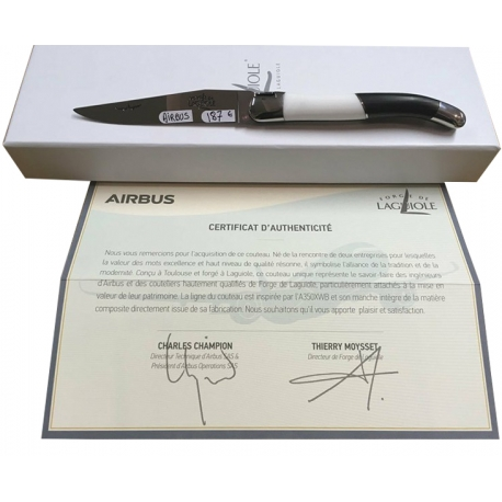 Couteau Airbus en Fibre de Carbone et acrylique, forge de Laguiole